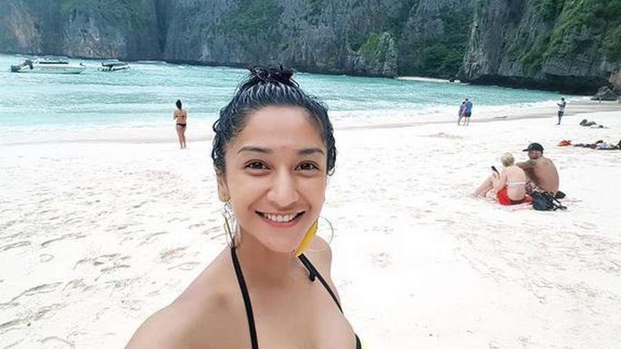 Liburan di Thailand, Fanny Ghassani Tampil Berbikini