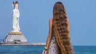Punya Rambut bak Rapunzel, Wanita Ini Justru Nggak Pernah Keramas