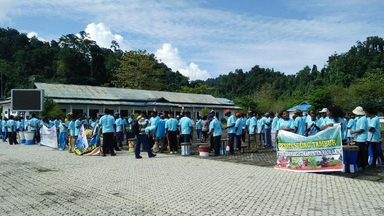 Foto: Peserta Suling Tambur Festival di Raja Ampat (Jabbar/detikTravel)