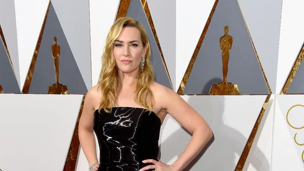 HOLLYWOOD, CA - FEBRUARY 28:Actress  Kate Winslet  attends the 88th Annual Academy Awards at Hollywood & Highland Center on February 28, 2016 in Hollywood, California.  (Photo by Frazer Harrison/Getty Images)