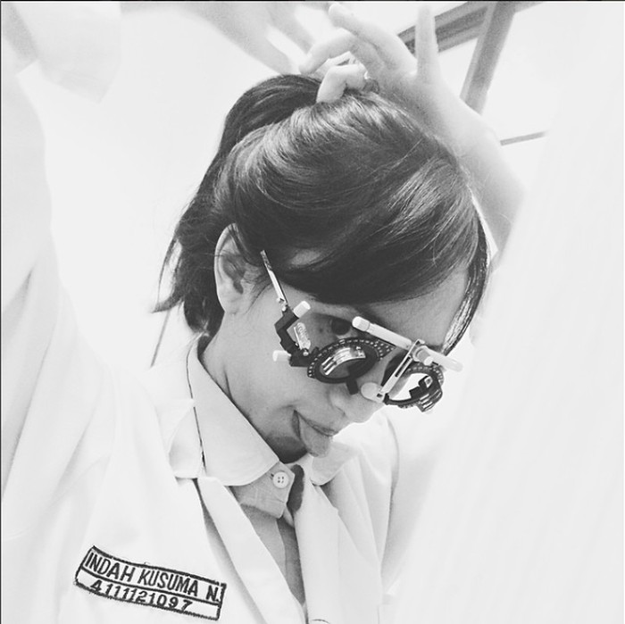 Indah tercatat sebagai calon dokter di Fakultas Kedokteran Universitas Jenderal Ahmad Yhani atau Unjani. (Foto: Instagram @indahkus_)