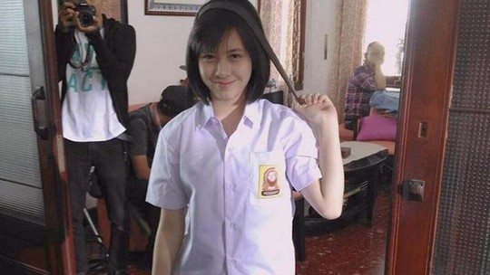 Si Manis Adhisty Zara, Pemeran Disa di Film Dilan