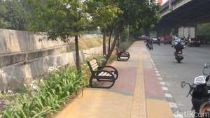 Trotoar di Jalan Yos Sudarso Sunter yang Kian Cantik dan Nyaman