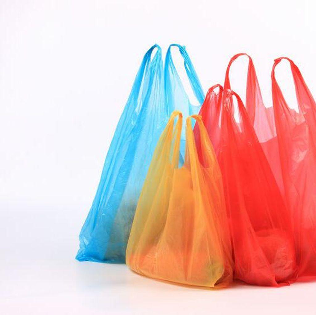 Kemenkeu Beberkan Alasan Kantong Plastik Perlu Kena Cukai