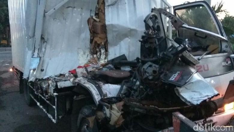 Kecelakaan truk (Foto: istimewa)