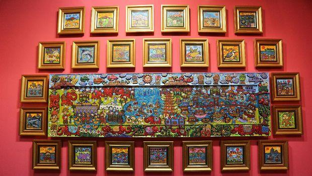Sandiaga Uno hingga Annisa Pohan Lirik Lukisan Erica Hestu Wahyuni di Art Jakarta