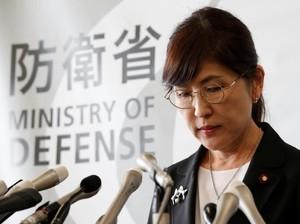 Menhan Jepang Mundur di Tengah Menurunnya Dukungan untuk PM Abe