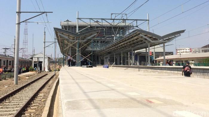 Uji coba Commuter Line Kota-Cikarang (Bisma/detikcom)