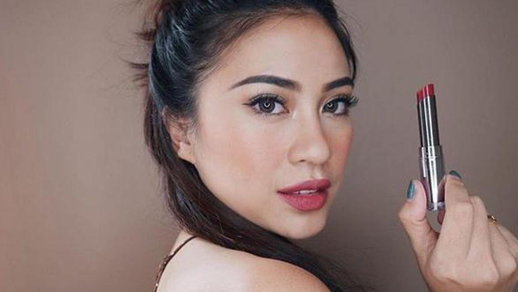Mengenal Lebih Jauh Tyna Kanna Mirdad, Dari Hobi Makeup Membawa Rezeki