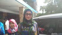 Reaksi Desy Ratnasari Ditanya Pernikahan Irwan-Maia Estianty