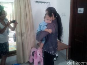 Polisi Tahan Ibu Baby J Tersangka Kasus Penganiayaan