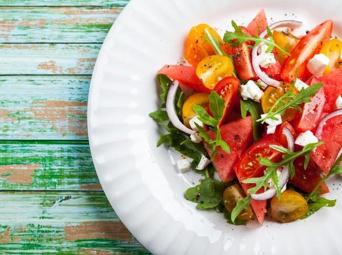 Ilustrasi kombinasi makanan yang manfaatnya maksimal jika dikonsumsi bersamaan/Foto: iStock
