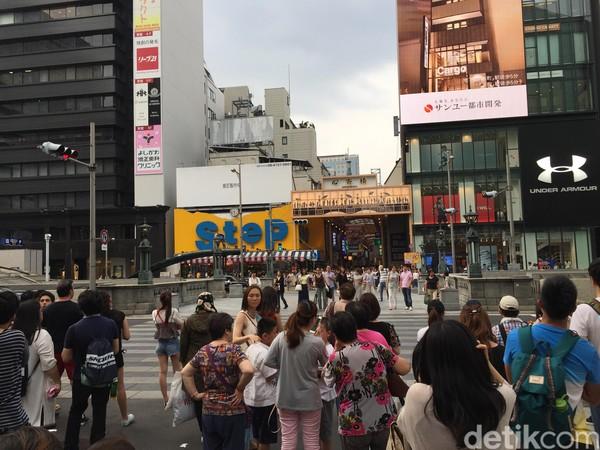 Foto: Kawasan Shinsaibashi sudah terkenal sebagai destinasi wisata belanja sejak zaman Edo. Shinsaibashi pun sering disebut-sebut sebagai Champs-Elysees-nya bagian Timur (Dadan/detikTravel)