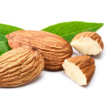 Bercinta di Tanggal Merah, Jangan Lupa Ngemil Almond Dulu