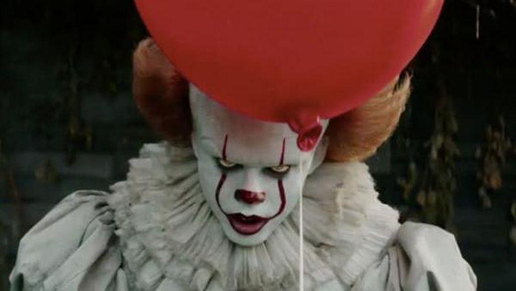 Siapa Sangka Badut Horor di Film It Terbaru Aslinya Tampan Begini