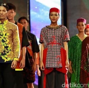 Melihat Fashion Show on the Pedestarian di Banyuwangi