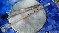 Kreatif! Sarjana Ini Jadi Pembuat Alat Musik Tradisional Minang