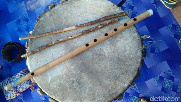 Inilah seruling tambur, alat musik khas Raja Ampat (Jabbar/detikTravel)