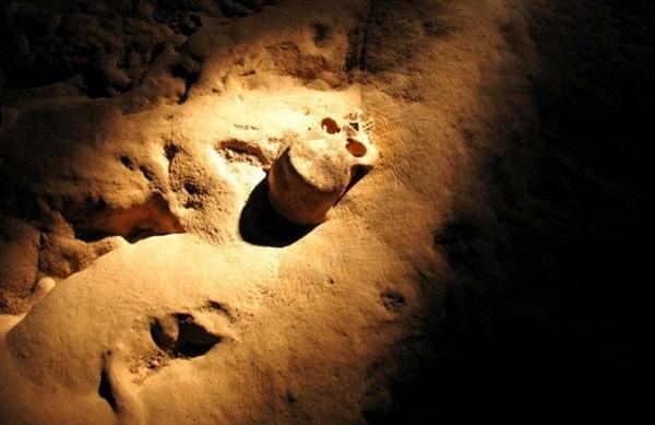 Di sana Suku Maya memberikan persembahan, karena dianggap sebagai pintu neraka atau Xibalba. (Pacz Tours/Benedict Kim)