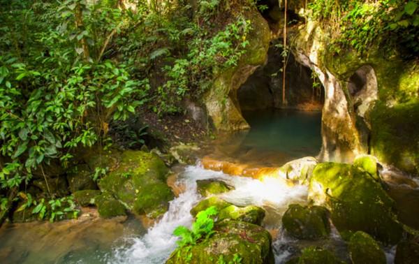 Inilah Actun Tunichil Muknal di negara Belize, sebuah gua di kawasan Tapir Mountain Nature Reserve dekat Kota San Ignacio. (Pacz Tours/Benedict Kim)
