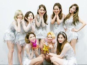 Tiffany, Sooyoung dan Seohyun Hengkang dari SM, Fans Rusak CD SNSD