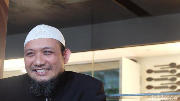 Tawa Novel saat cerita masa kecilnya di Semarang.