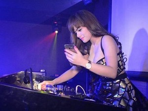 Dinar Candy Kaget Masuk 10 DJ Paling Hot di Asia