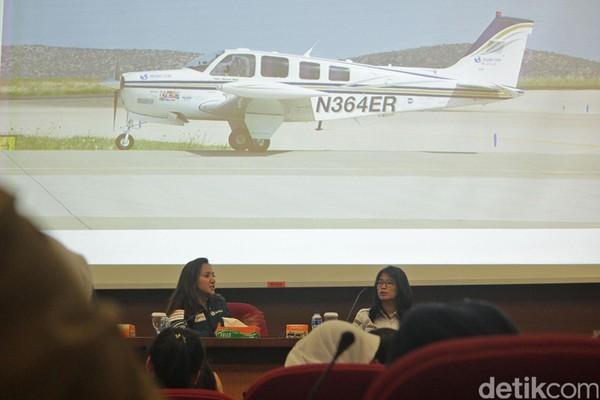 Shaesta juga sempat bercerita banyak tentang dunia penerbangan dan fakta akan jumlah pilot wanita di dunia yang masih sangat sedikit. Hal itu pun menjadi motivasi bagi pilot wanita Indonesia (Randy/detikTravel)