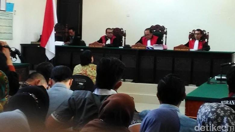 Dimas Kanjeng Divonis 18 Tahun Penjara