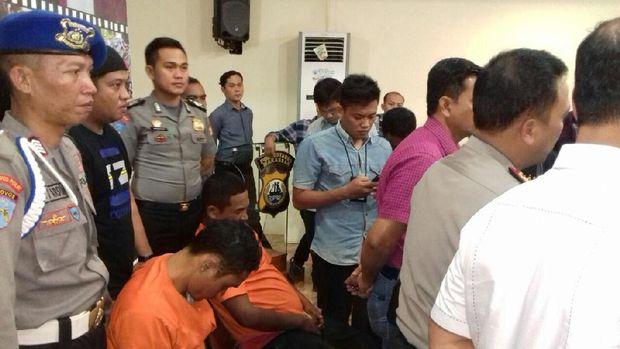 Polisi Tangkap 2 Perampok Duit Rp 1,2 Miliar dari Brankas PDAM