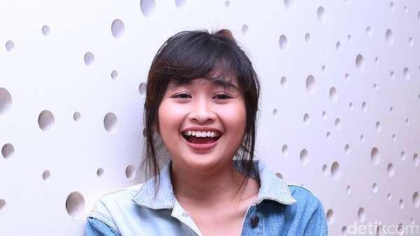 Senyum Semringah Gritte Agatha