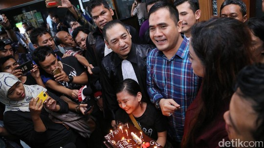 Ultah, Saipul Jamil Curhat Soal Vonis 3 Tahun dan Dewi Persik