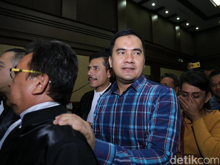 Saipul Jamil saat ditemui di Pengadilan Tipikor.