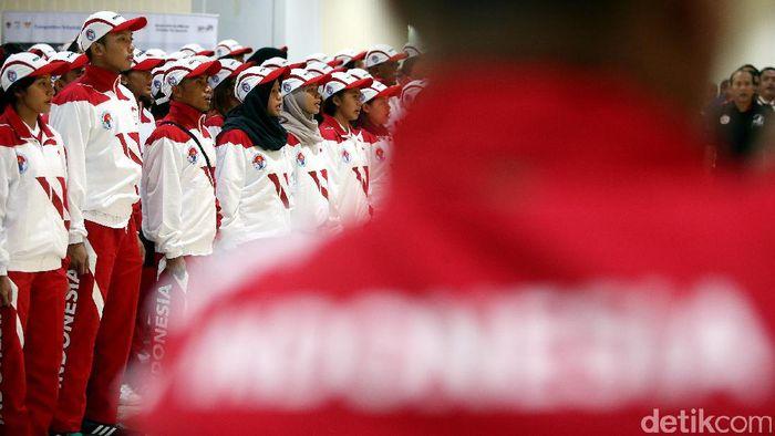Pengukuhan kontingen Indonesia ke SEA Games 2017 Kuala Lumpur. (Rengga Sancaya/detikSport)