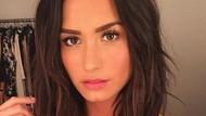 Berkat Demi Lovato, Perempuan Ini Urung Bunuh Diri