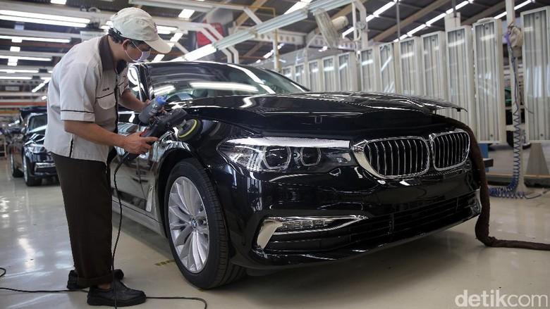 BMW Seri 5 (Foto: Agung Pambudhy)