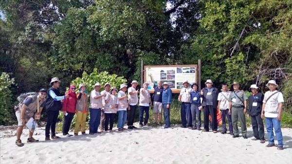 Secara administrasi Pulau Kunti berada di Kampung Cimarinjung, Desa Ciwaru, Kecamatan Ciemas, Kabupaten Sukabumi, Jawa Barat (Mukhlis/detikTravel)