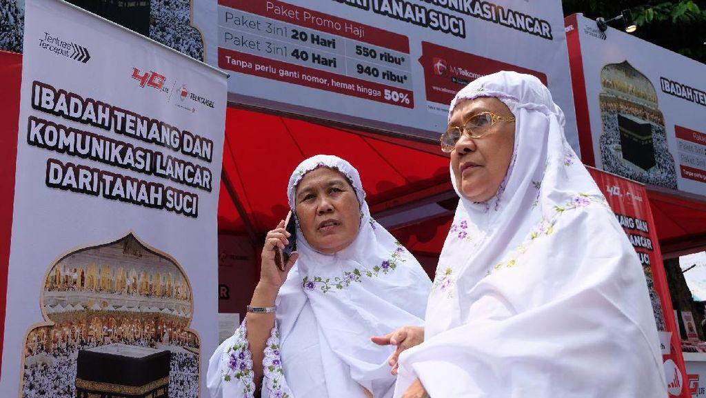 Telkomsel Buka Posko Layanan Haji di Jakarta dan Bekasi
