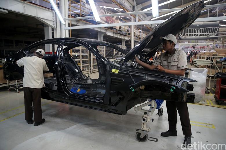 Pabrik perakitan sedan BMW di Sunter. Foto: Agung Pambudhy