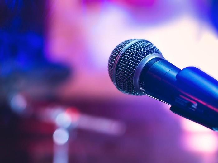 ilustrasi microphone