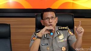 Densus Tangkap 4 Orang Kelompok Teroris Bima, 1 Ahli Rakit Senpi