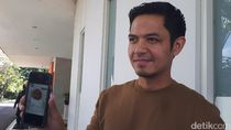 Dude Harlino Imbau Ikuti MUI untuk Beribadah Sementara di Rumah