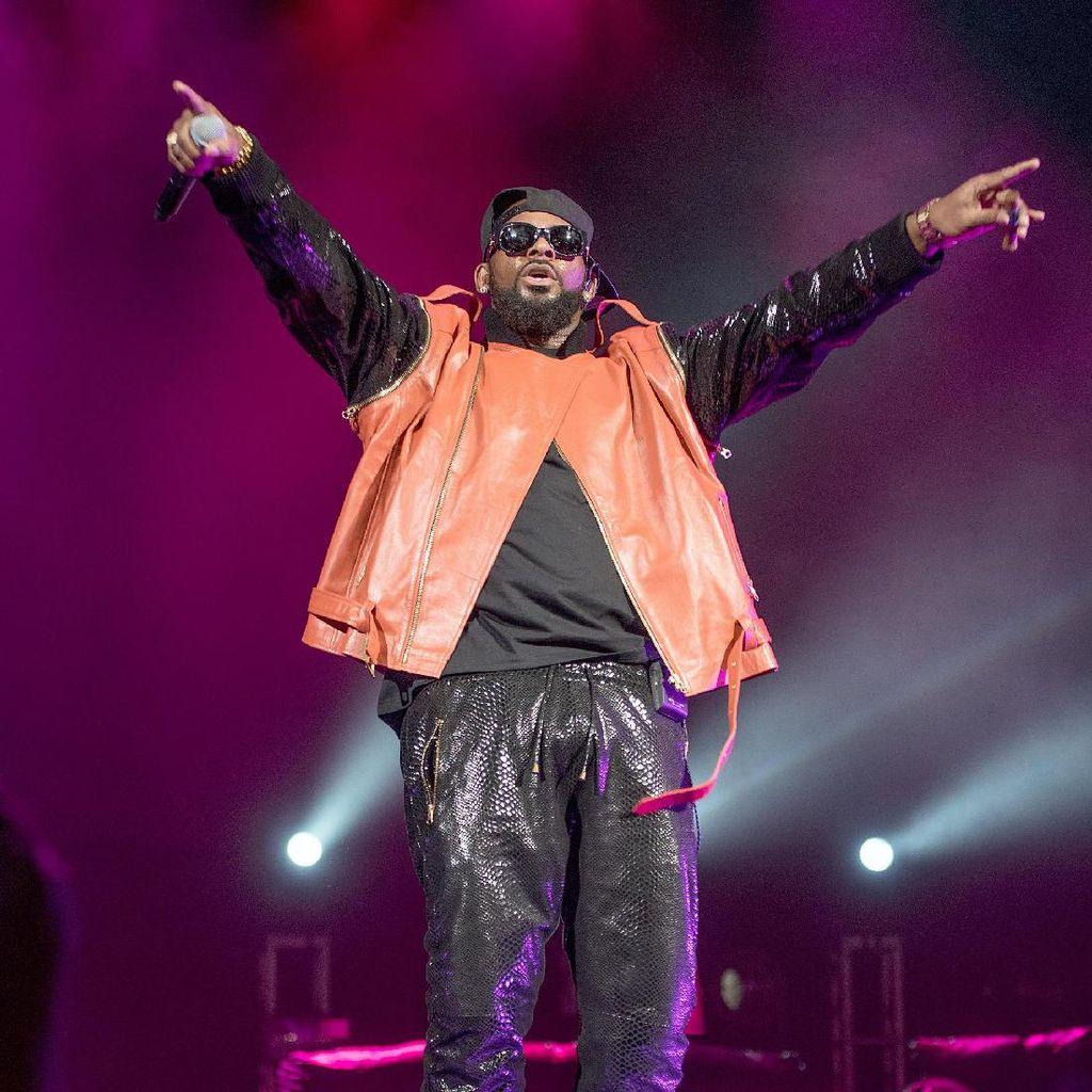 R Kelly Dipecat Sony Music