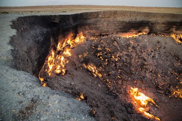 Dikira akan padam dalam waktu singkat, ternyata api ini terus menyala hingga sekarang! (Thinkstock)