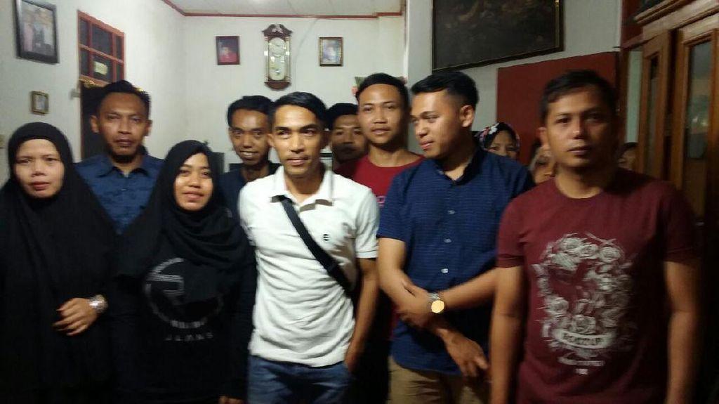 Kunjungi Keluarga Ricko, Aliyudin Berharap Tak Ada Lagi Suporter Jadi Korban