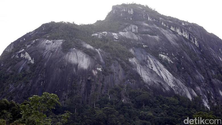 Inilah Bukit Kelam di Sintang, Kalimantan Barat (Rachman Haryanto/detikTravel)