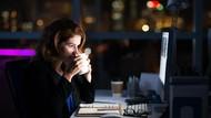 Ini Penyebab Wanita yang Stres Kerja Rentan Naik Berat Badan