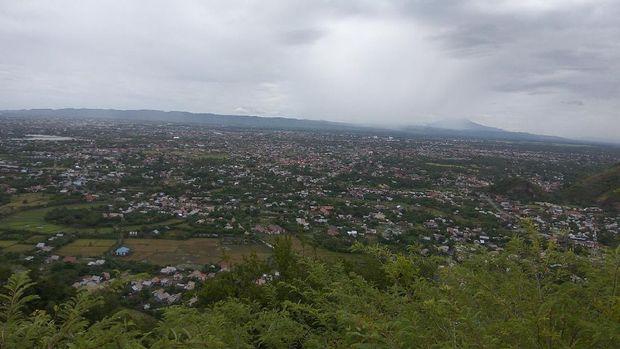 Panorama dari atas Bukit Goh Cut