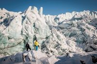 Menjelajahi es-es tebal di Greenland (greenland.com)