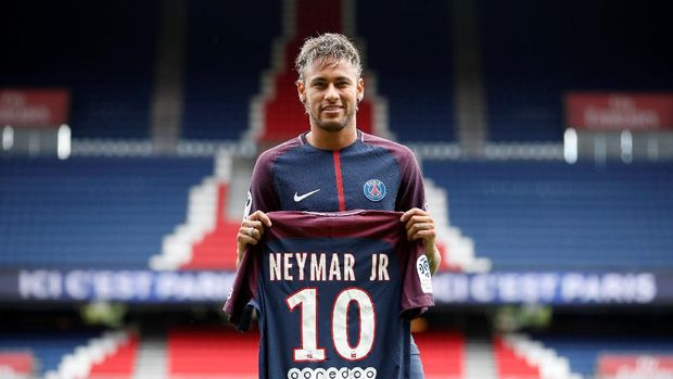 Neymar didatangkan Paris Saint-Germain dari Barcelona sebagai pemain termahal di dunia.